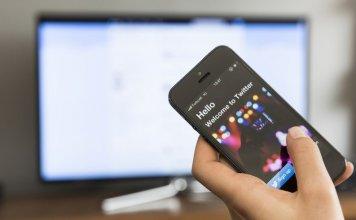 Come collegare il proprio Smartphone Android o iOS alla TV