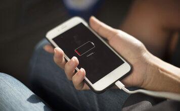 Come caricare il cellulare senza caricabatterie